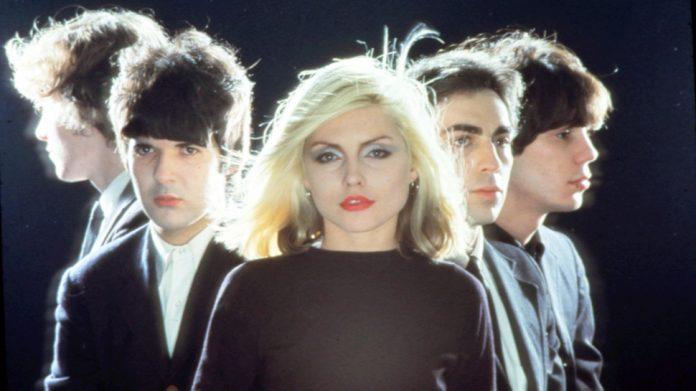 Σαν σήμερα 28 Απριλίου-Heart Of Glass-Blondie