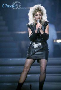 Σαν σήμερα 08 Ιουνίου-Bonnie Tyler-02
