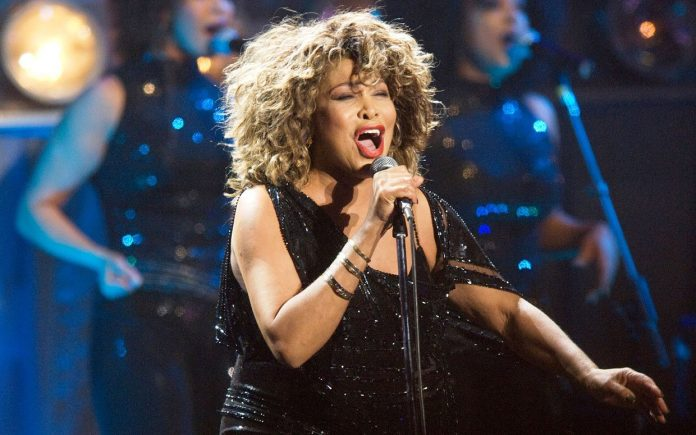 Tina Turner-The Queen of Rock n' Roll-014